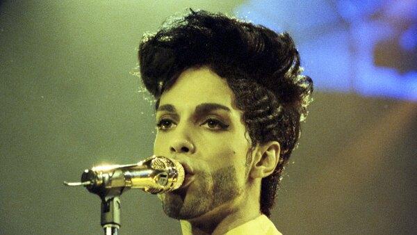 El cantante abandonaba sus actividades para ponerse a componer en cualquier momento, asegura su exestilista.