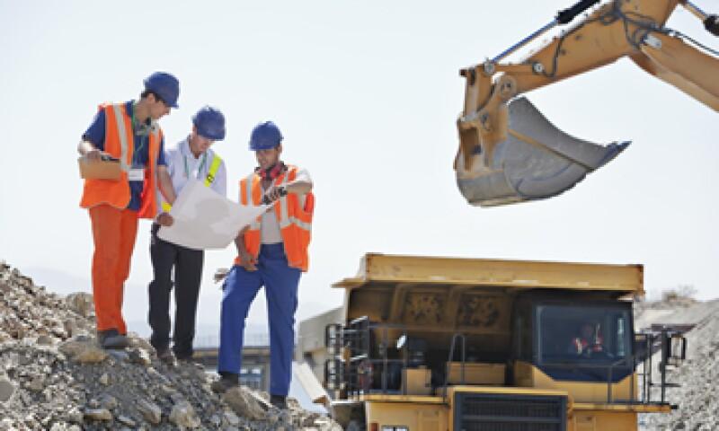 La SCT dijo que este mes se terminarán obras con una inversión superior a los 45,000 mdp. (Foto: Getty Images)