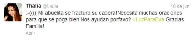 La cantante mexicana pidió a sus seguidores que oraran por su abuelita Eva Mange, quien se fracturó la cadera.