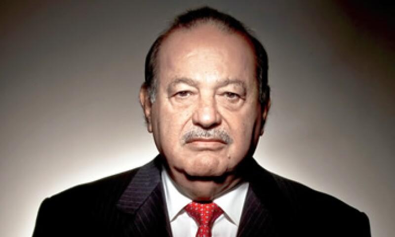 Slim consideró que es necesario invertir entre 250,000 y 300,000 millones de dólares al año. (Foto: Bloomberg)