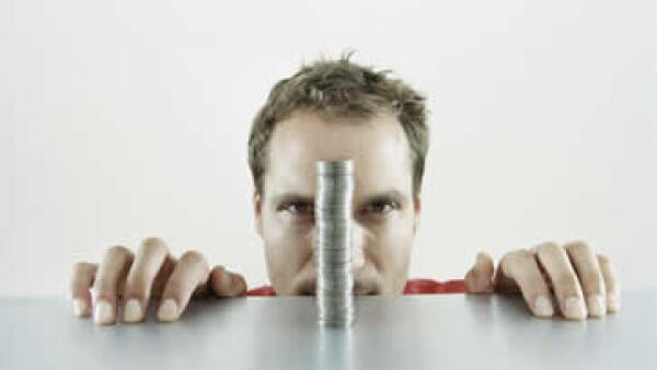 Si tienes 26 años, ganas 25,000 pesos y tu aportación permanece tal cual, apenas alcanzarás una pensión mensual de 10,149 pesos. (Foto: Archivo)