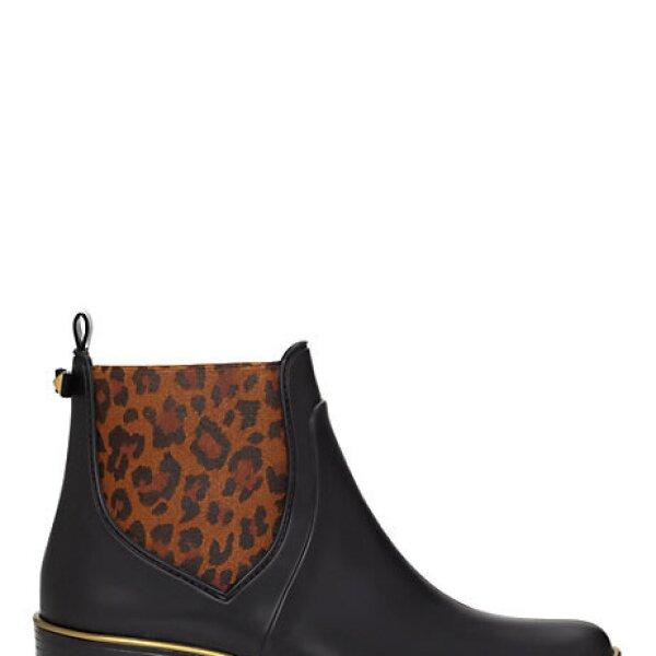 Kate Spade propone unas botas al tobillo con estampado animal. Muy edgy y cool.