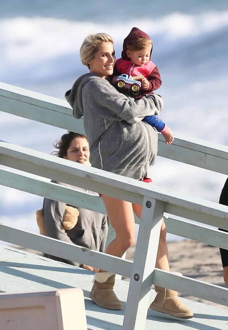 India Rose, que en dos meses cumplirá dos años, acompañó a su mamá a la sesión de fotos en Los Ángeles.