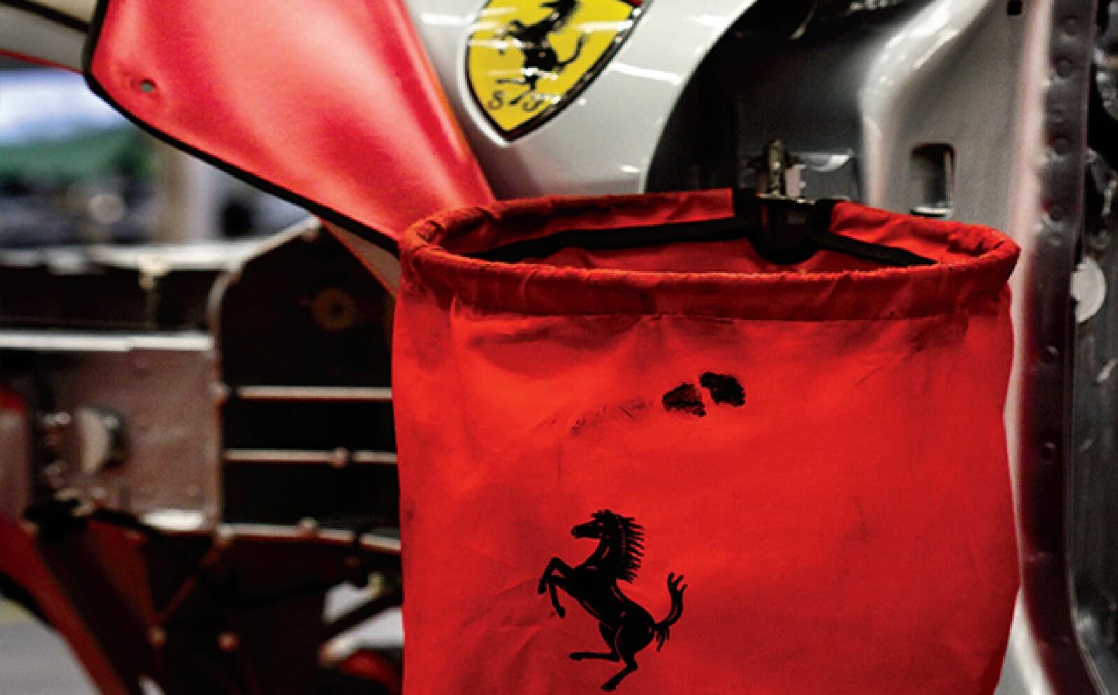 En los años 60, Don Enzo se cansó de las complicaciones del negocio de los autos de calle y buscó venderlo. Ford fue la principal interesada, sin embargo, a último momento Ferrari rechazó la compra.