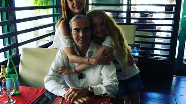 La actriz posteó algunas fotos junto al empresario que prueban la gran familia que han formado junto a Constanza, hija de la actriz y Santiago Creel.