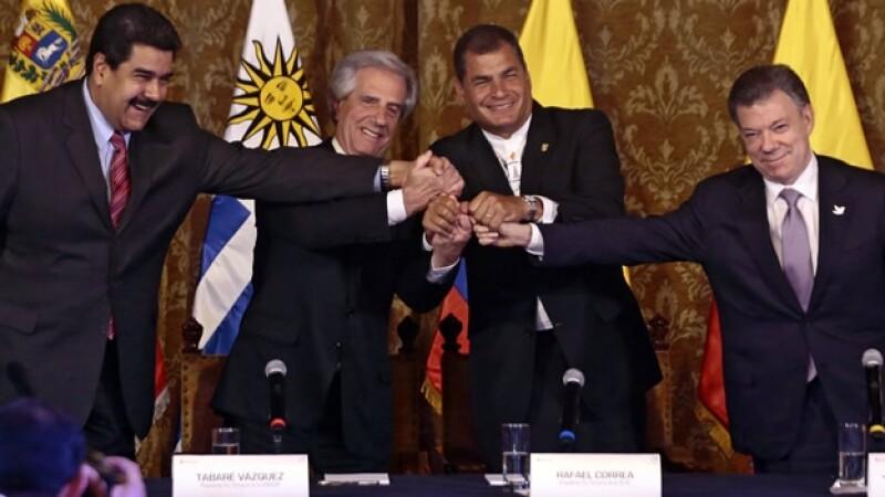 De izquierda a derecha, los presidentes Nicolás Maduro (Venezuela) Tabaré Vázquez (Uruguay), Rafael Correa (Ecuador) y Juan Manuel Santos (Colombia)