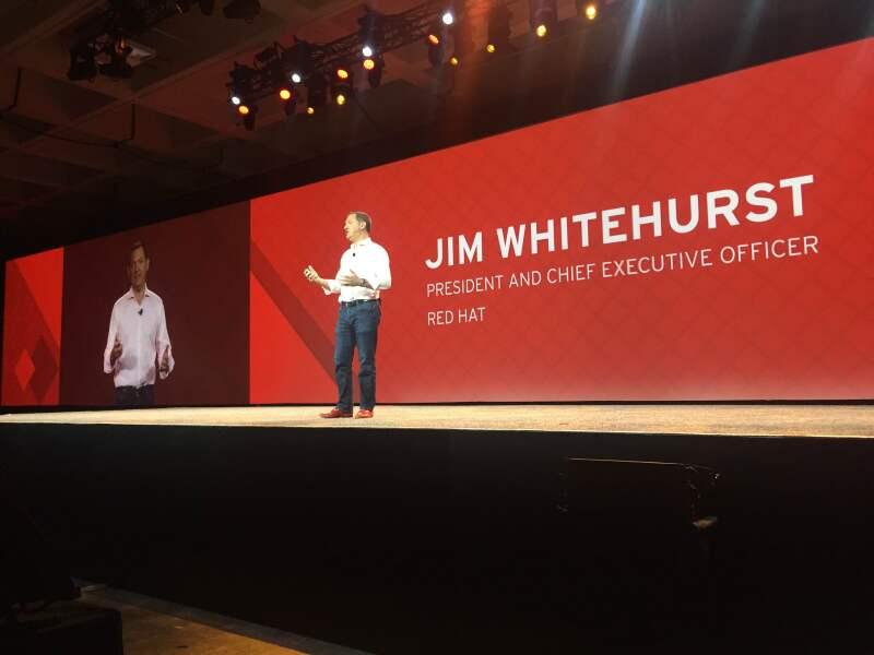 Tendencias tecnológicas como inteligencia artificial o IoT no requerirán líderes pues sólo podrán escalar con base de equipos globales de trabajo, dice el CEO de Red Hat.