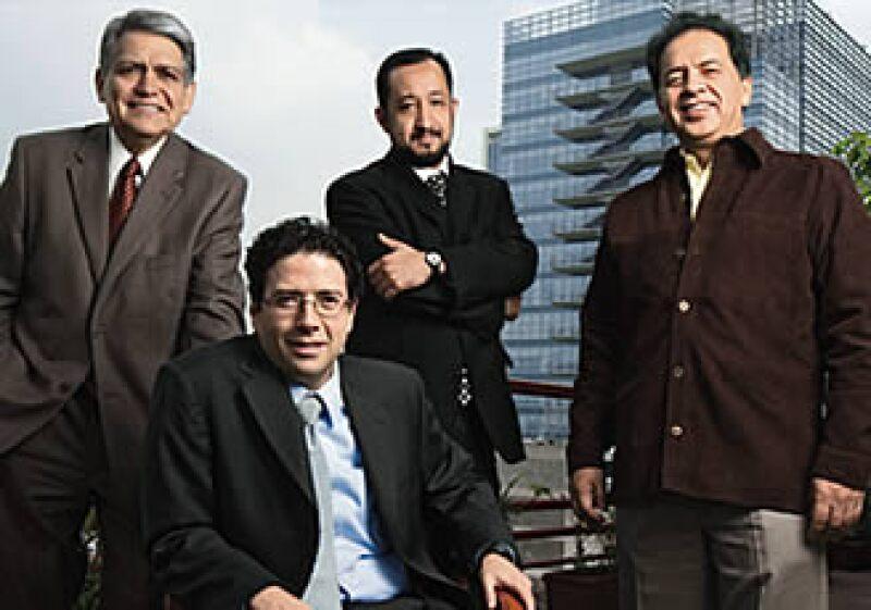 Guillermo Cruz Domínguez, Juan Carlos Zepeda Molina, Édgar Rangel Germán y Javier Estrada Estrada, 4 de los 5 comisionados de la CNH. (Foto: Carlos Aranda / Mondaphoto)