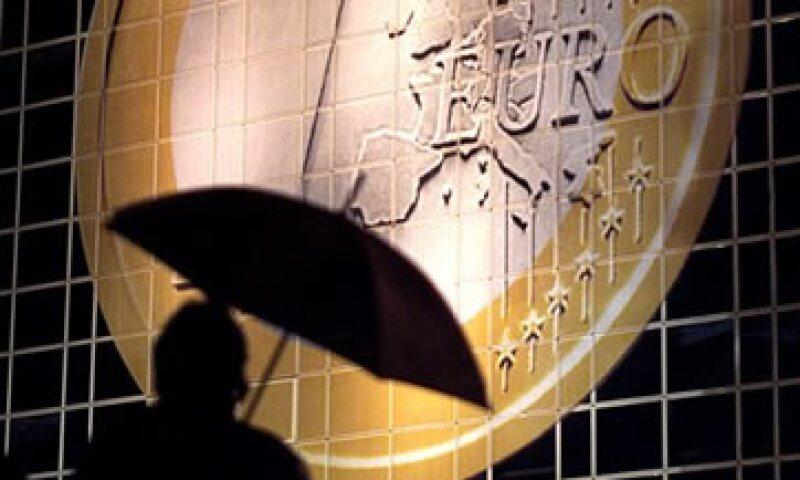 Alemania descartó que EU aumente sus aportaciones al FMI para ayudar de manera indirecta a Europa. (Foto: Reuters)