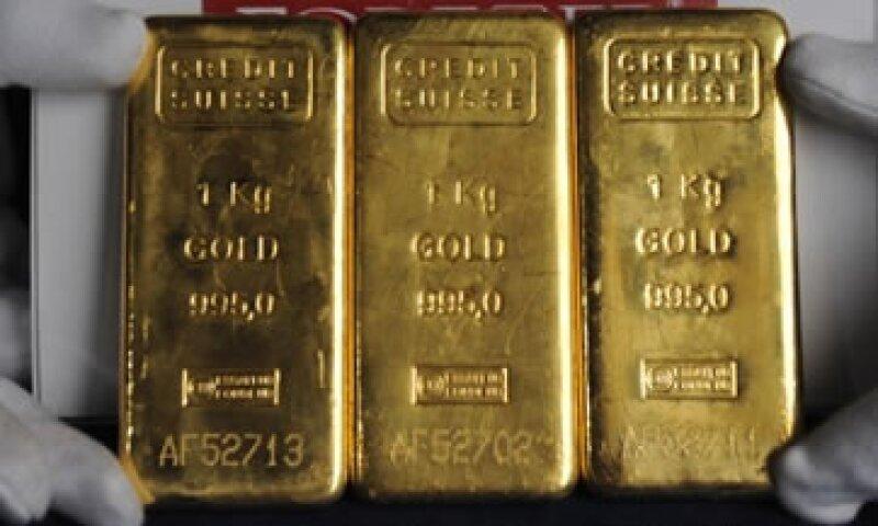 El oro se vio afectado ante la preocupación de que Chipre venda parte de sus reservas del metal para pagar la factura del rescate.  (Foto: Cortesía CNNMoney.com)