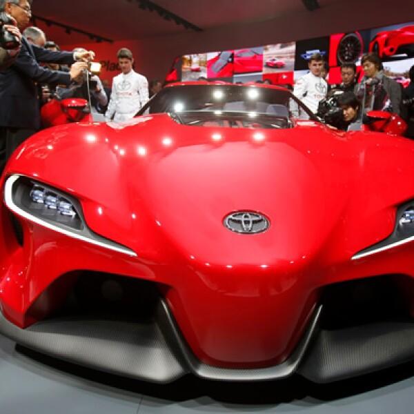 Este deportivo está enfocado a ser de alto rendimiento y velocidad, por eso su diño es parecido a los auto de Fórmula 1.