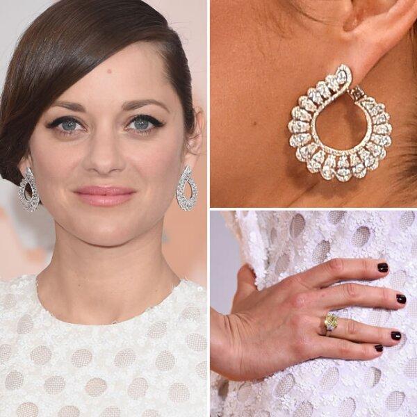 Marion Cotillard usó un anillo de diamantes amarillos y blancos de High Jewellery y aretes de diamantes de Chopard de 13.41k.
