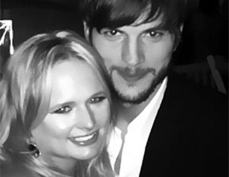 Miranda y Ashton se fotografiaron juntos.