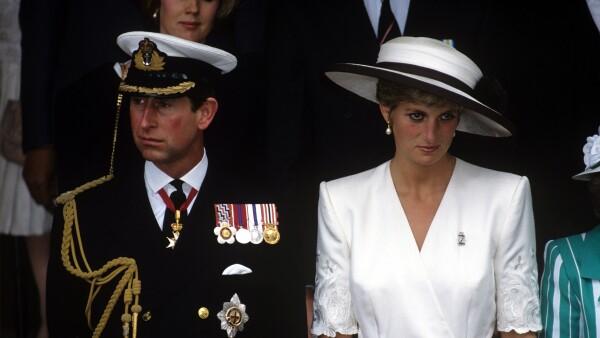 Príncipe Carlos y la princesa Diana