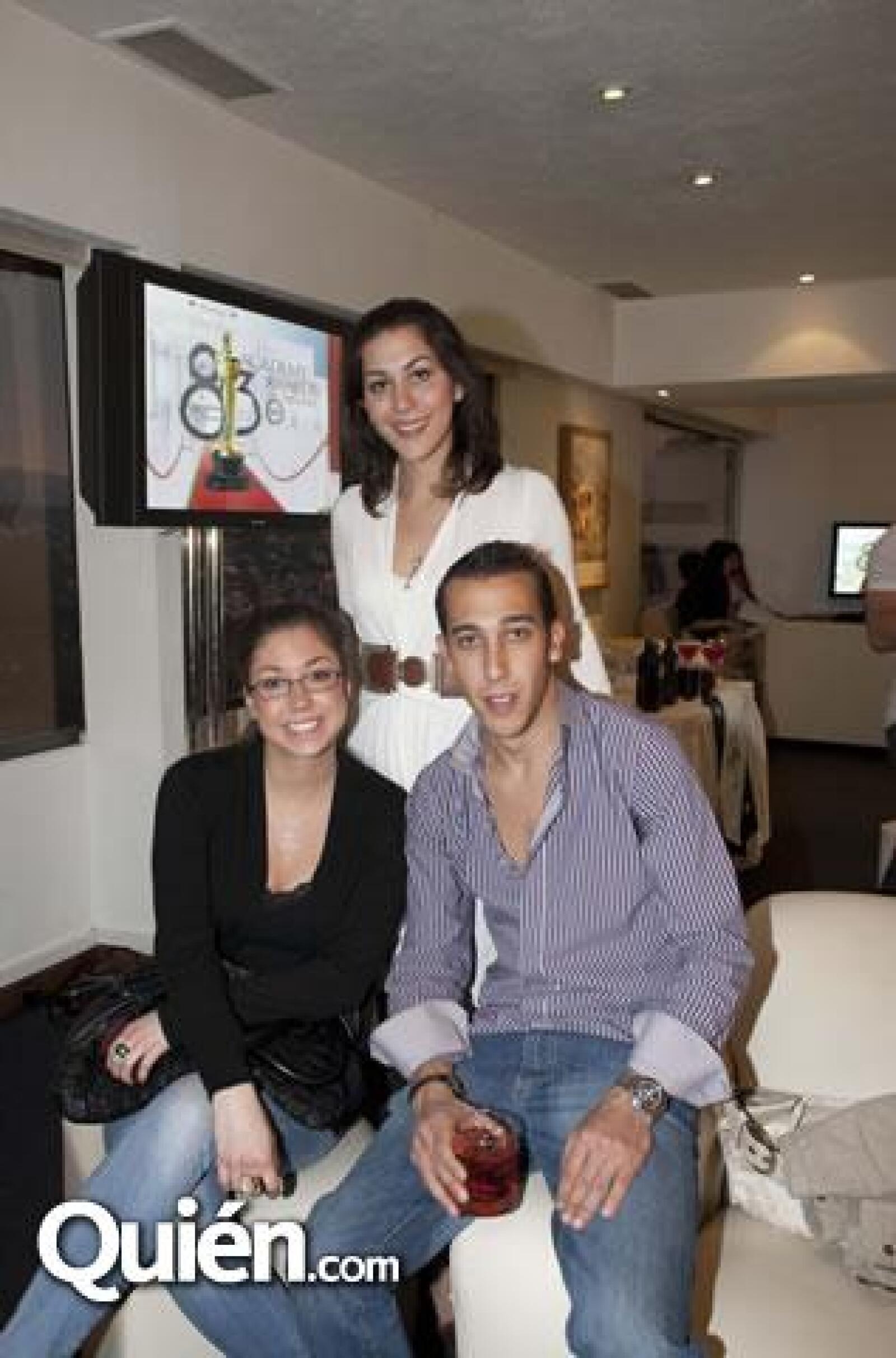Michelle Ring,Carla González Gerard,Luis Sánchez Tena Cauduro