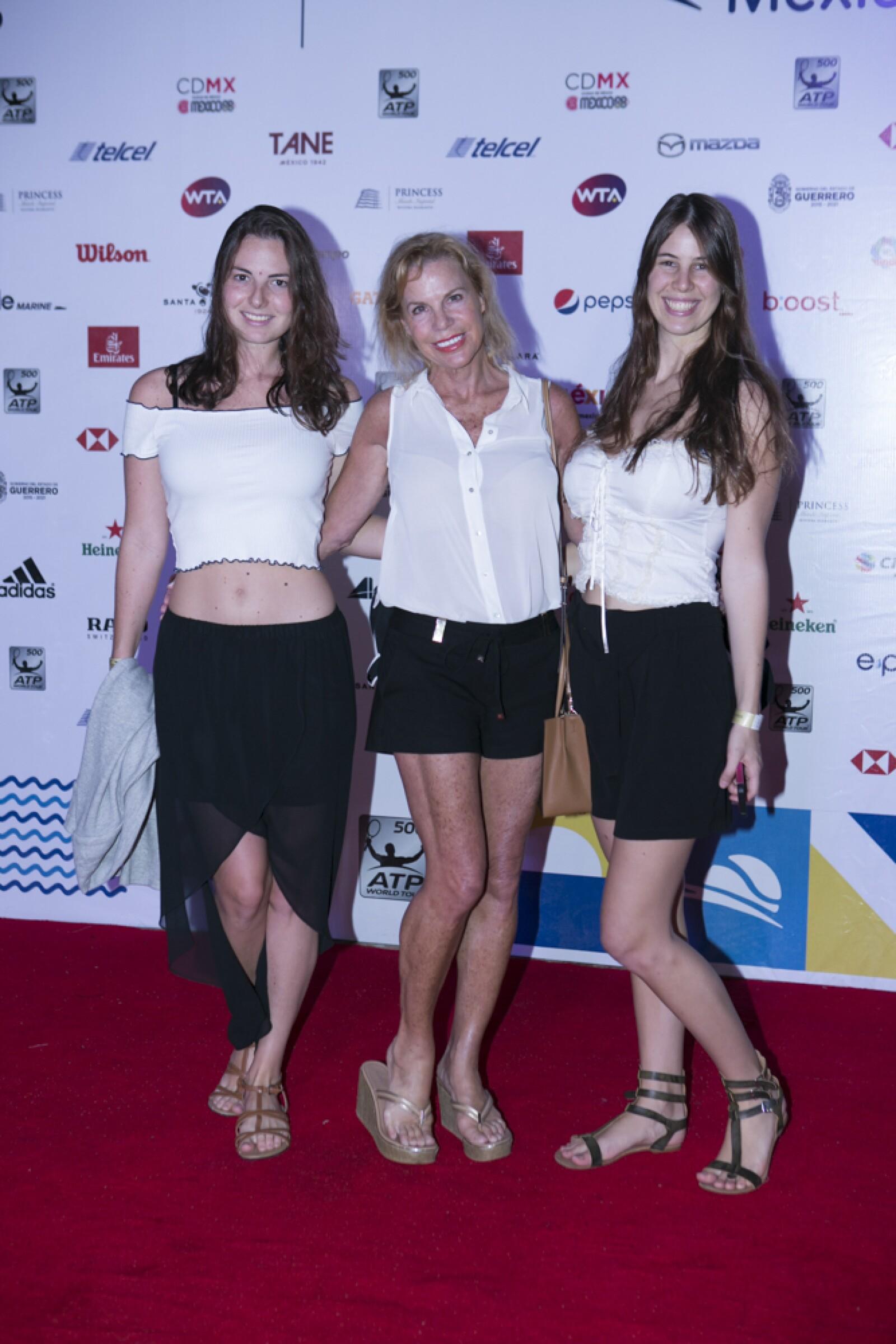 Fiesta de blanco abierto de tenis