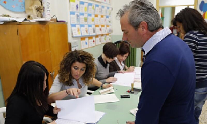 Los analistas indicaron que un bajo número de votantes podría ser reflejo de un voto de protesta. (Foto: Reuters)