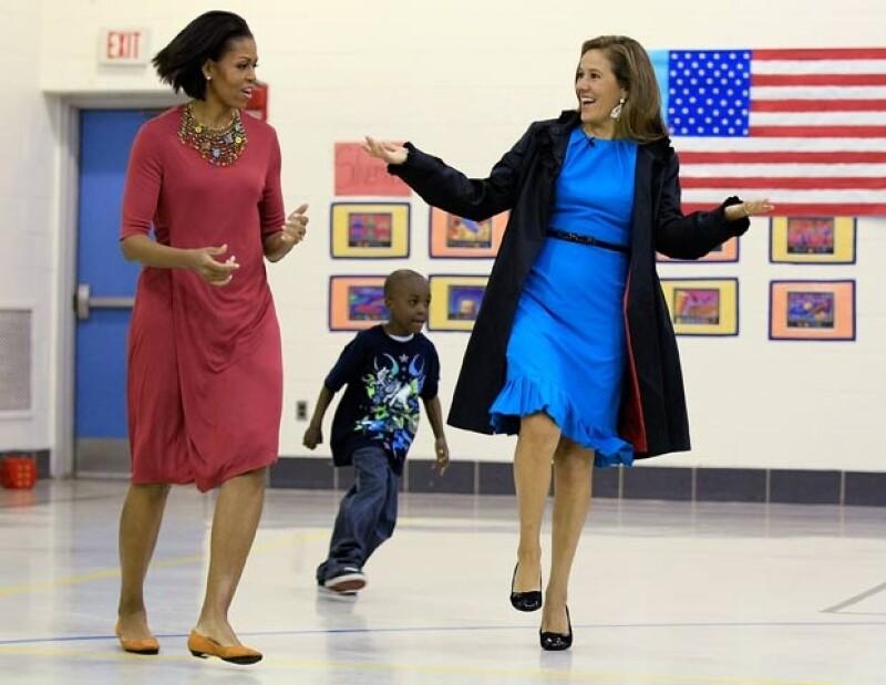 2010 Con Margarita Zavala impartiendo una clase de educación física en una primaria de New Hampshire.