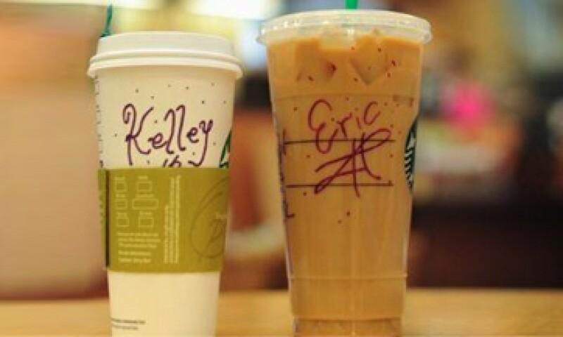 La marca cuenta con 21,000 tiendas en 65 países. (Foto: Twitter Starbucks Newsroom)