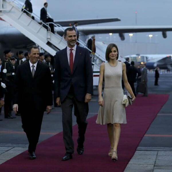 Los monarcas españoles fueron recibidos por el titular de la Secretaría de Relaciones Exteriores, José Antonio Meade