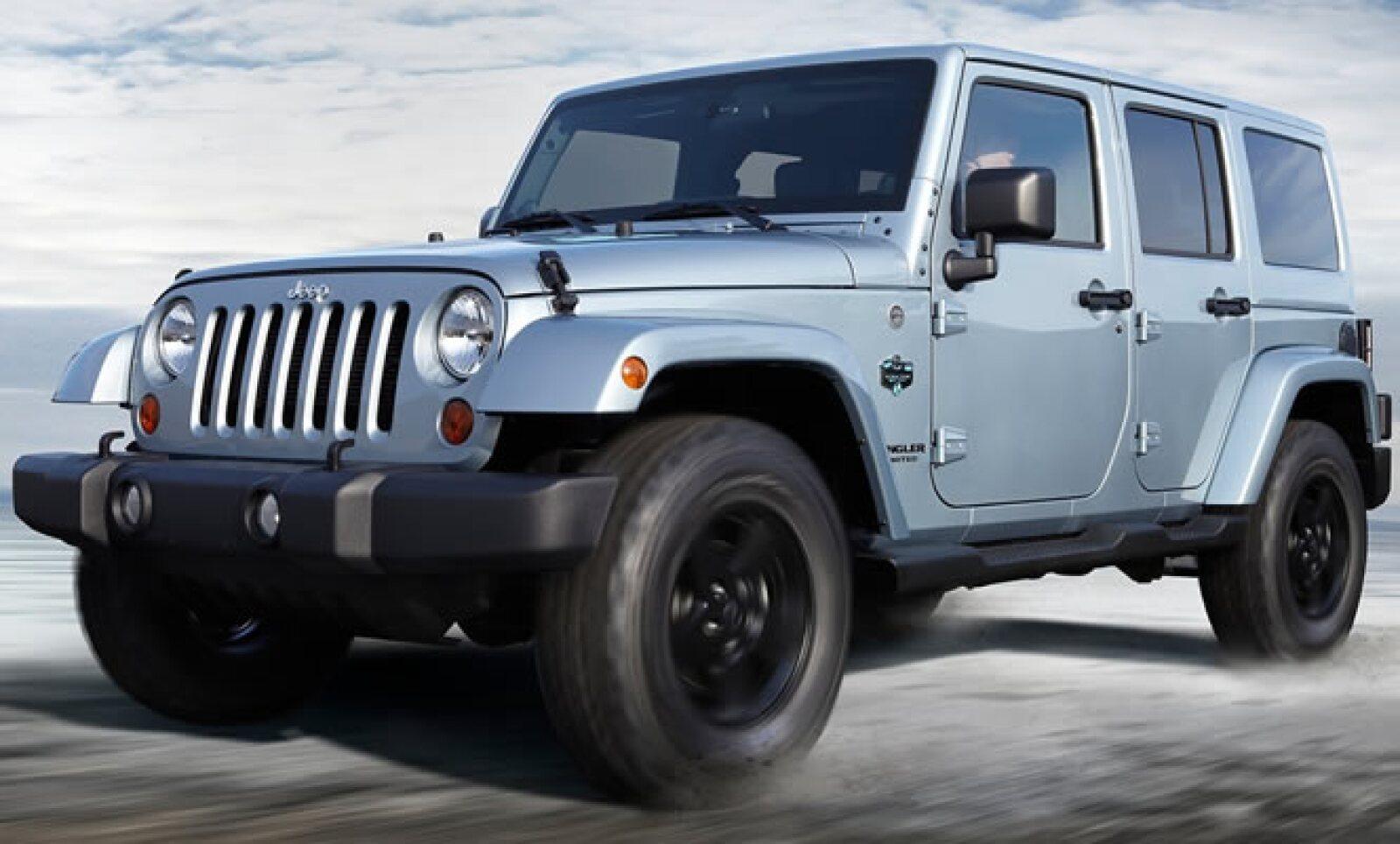 Detalles más robustos en la carrocería e interiores más lujosos aparecen en la nueva edición de este modelo, que llegará a las concesionarias de EU al inicio del diciembre de este año.