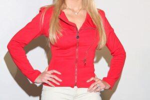 Como su apellido lo indica, la actriz es de procedencia francesa, pero actualmente ya tiene la nacionalidad mexicana.