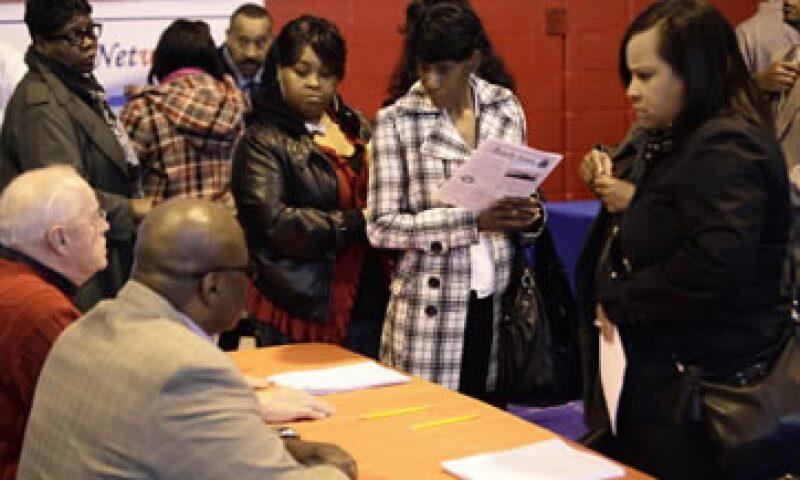 Un total de 2.76 millones de estadounidenses reciben subsidios por desempleo. (Foto: Reuters)