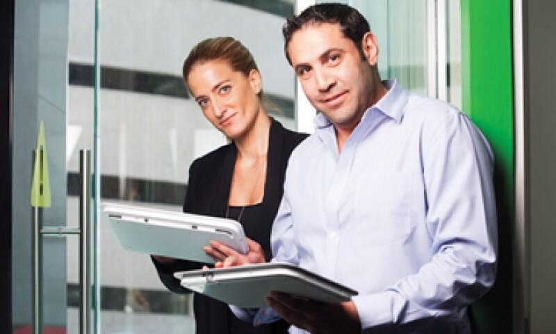 Adina Chelminsky y Abraham Safdie se unieron para traer Feedbox a México, una empresa israelí que a través de consolas mide la satisfacción del cliente al pagar un producto, por medio de 'caritas' felices o tristes. (Foto: Adán Gutierrez)