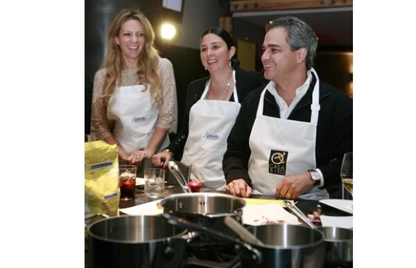 Zarina Rivera, Andrea de la Garza y Carlos de la Garza.