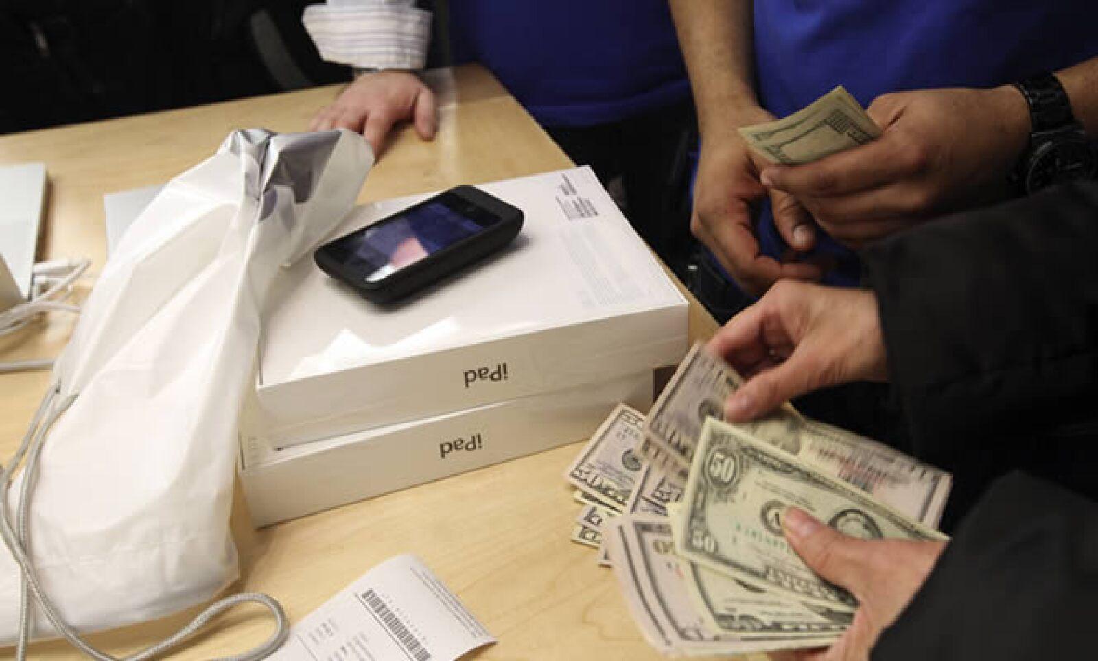 El precio de la iPad 2 oscila desde los 499 hasta los 849 dólares.
