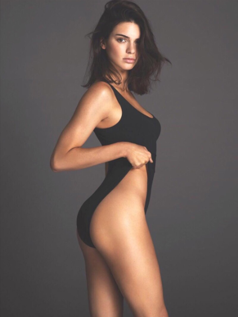 """La modelo publicó una imagen que fue descartada de la selección de fotos que se publicaron para la edición de septiembre que protagoniza, ¿acasó fue porque enseña """"de más""""?"""