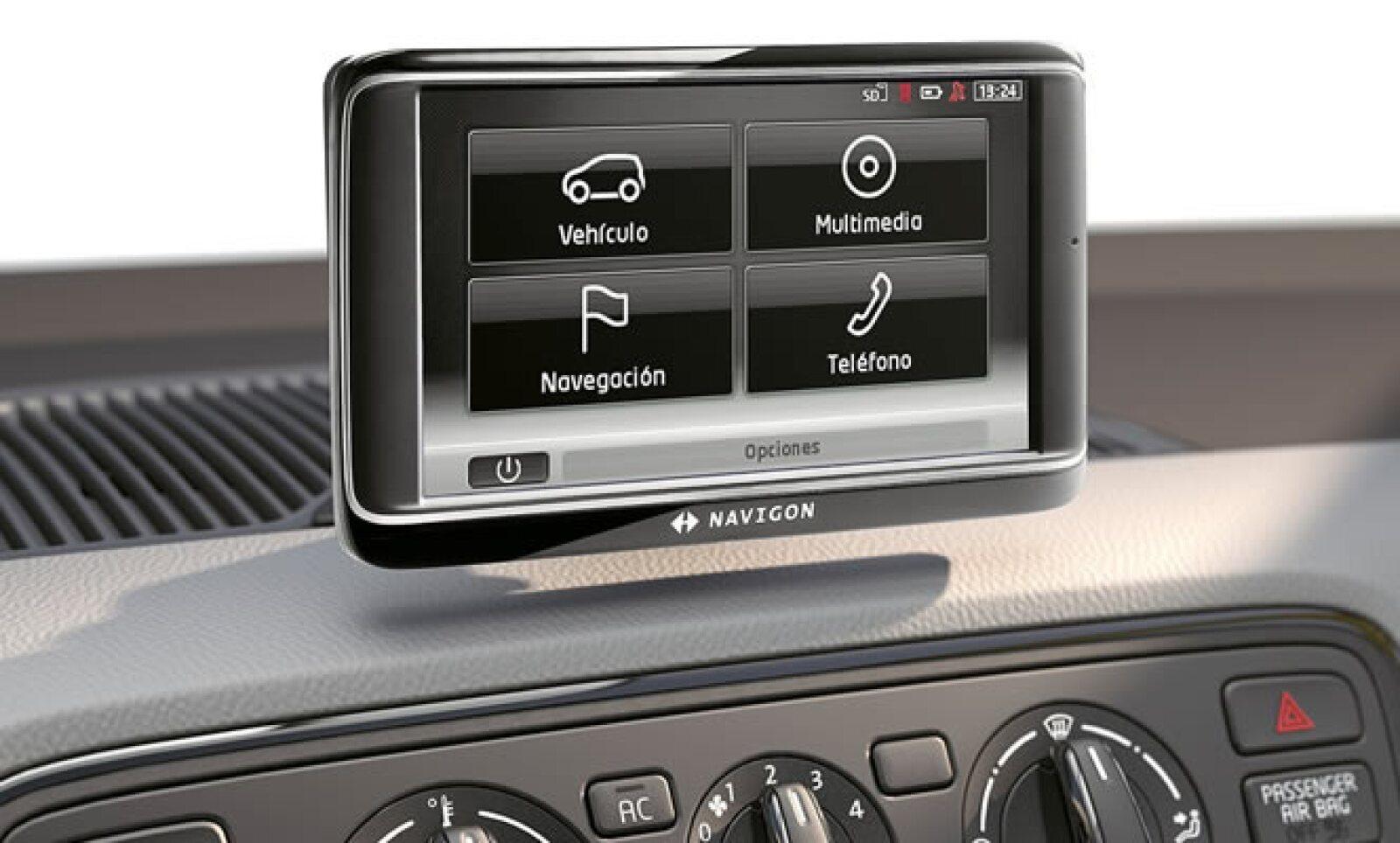 Como novedad figura el SEAT Portable System, una pantalla táctil de 5 pulgadas extraíble que dentro de sus múltiples funciones incluyen el sistema de navegación, teléfono de manos libres con control de voz y computadora de a bordo.