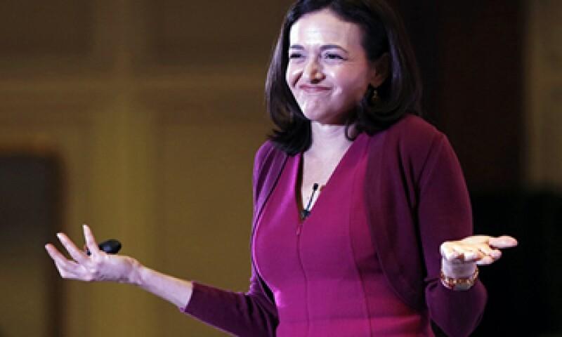 Sheryl Sandberg se negó a dar más explicaciones respecto al estudio que manipuló las emociones de los usuarios. (Foto: Reuters)
