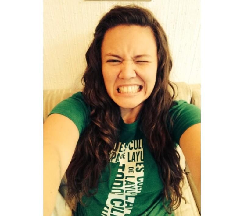 Joy no se quedó atrás y también compartió una selfie con su playera `Todo es culpa de Layún´.