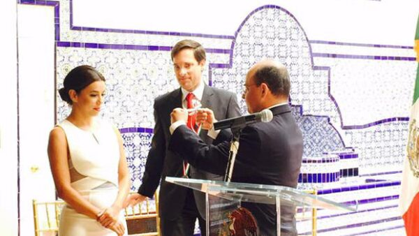 La actriz recibió por parte del gobierno mexicano un premio por su trabajo a favor de la comunidad hispana en Estados Unidos, y su íntima amiga no evitó felicitarla en redes sociales.