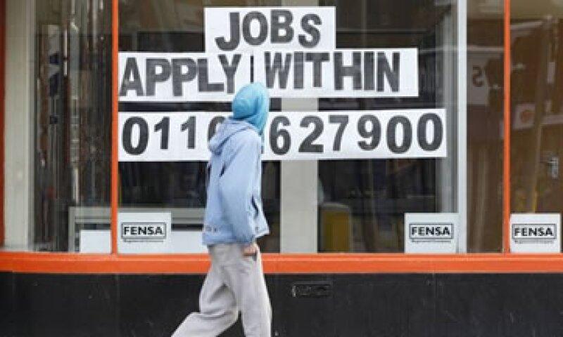 La tasa de desempleo entre los jóvenes británicos llegó a 21.9%. (Foto: Reuters)