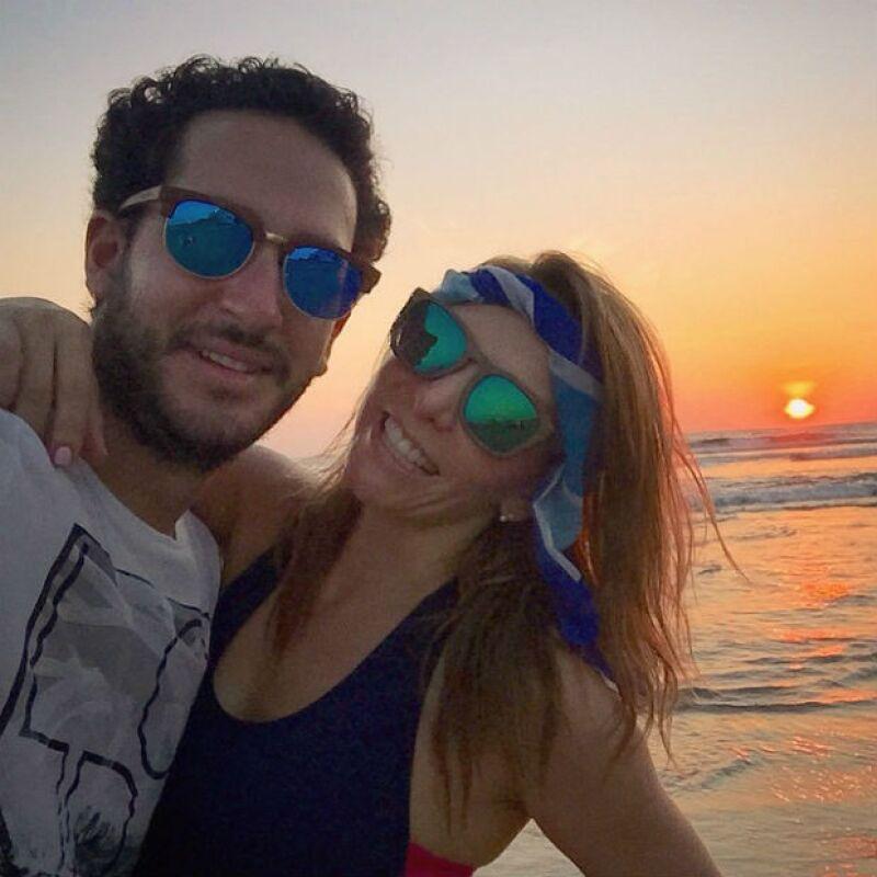 La cantante de OV7 recibió el 2015 en Japón, pero nunca es suficiente cuando se trata de relajarse, por lo que a su regreso a México, la artista se embarcó en un viaje romántico a Acapulco.