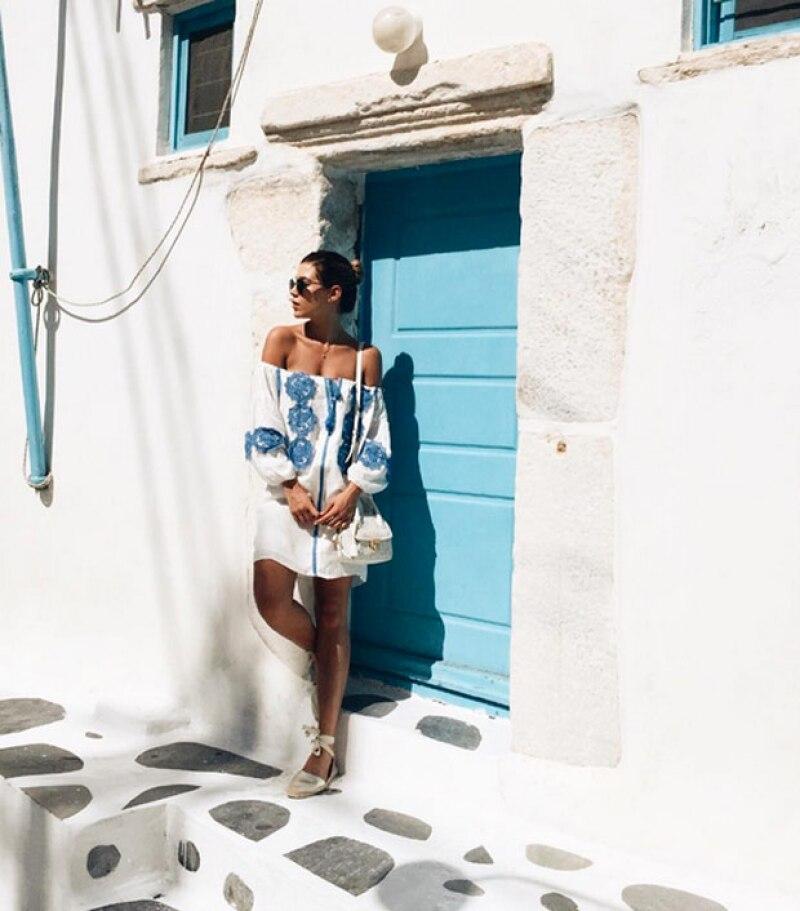 Michelle Salas en Mykonos, Grecia.