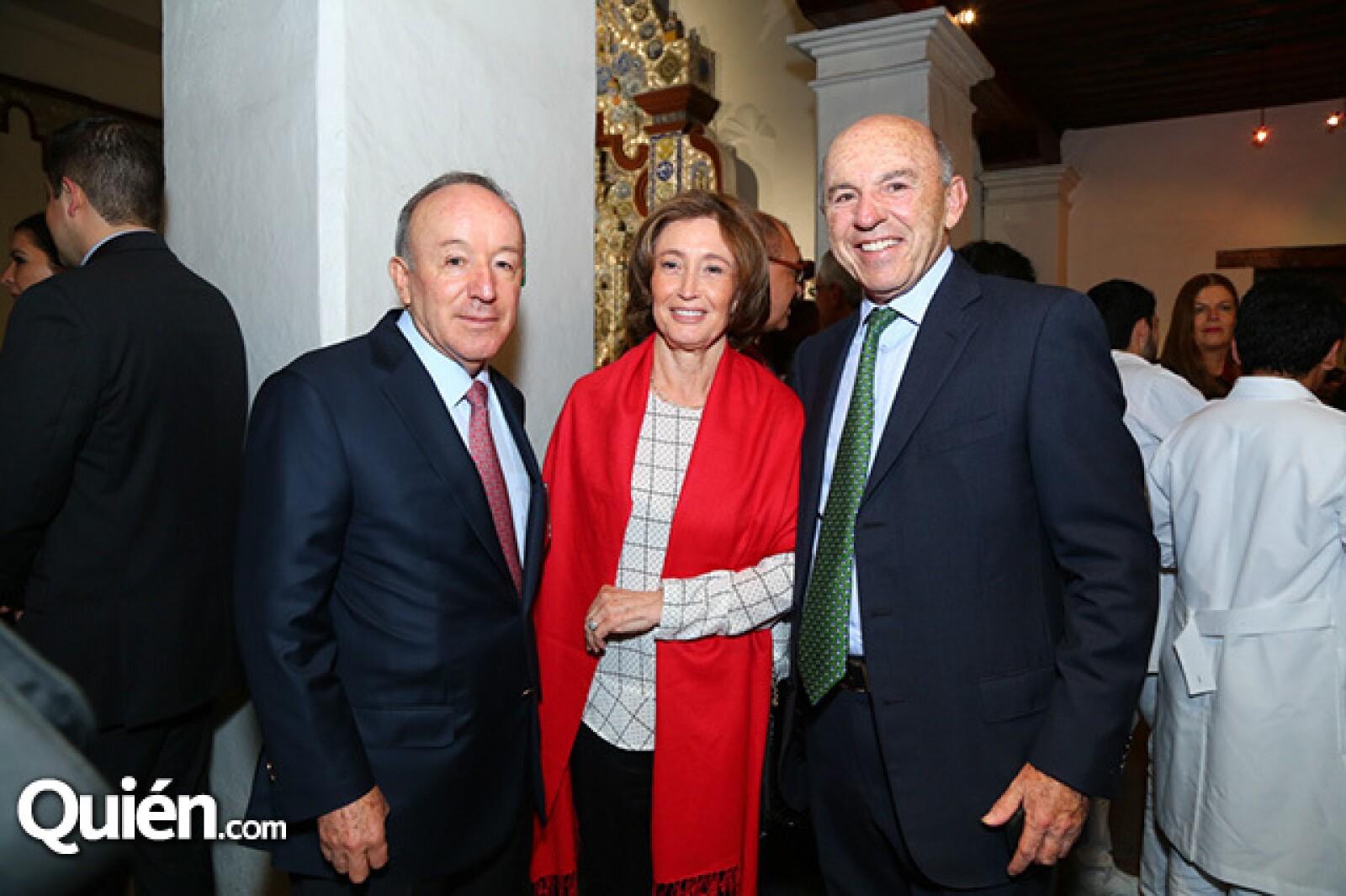 Roberto Alcántara, Leonor y Jaime Corredor