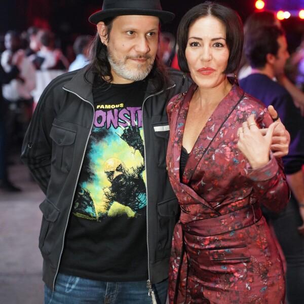 Astro y Stephanie Salas