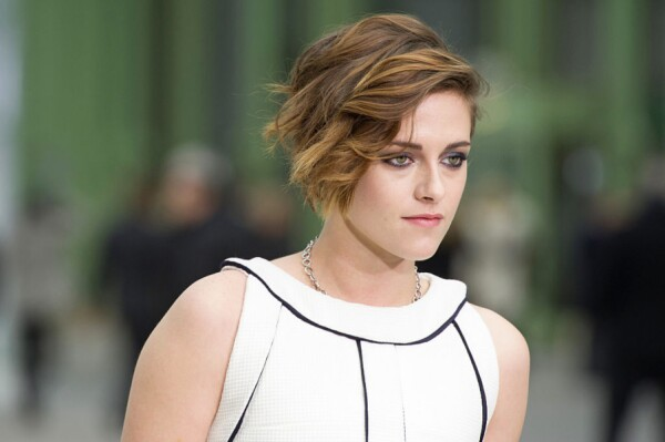 Kristen Stewart en París durante un desfile de Chanel