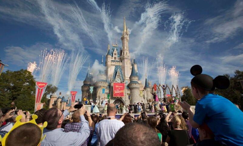 Los ingresos de Disney aumentaron 10%, a 10,600 mdd de enero a marzo.  (Foto: Reuters)