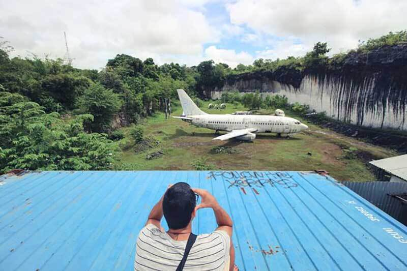 Avión Bali abandonado