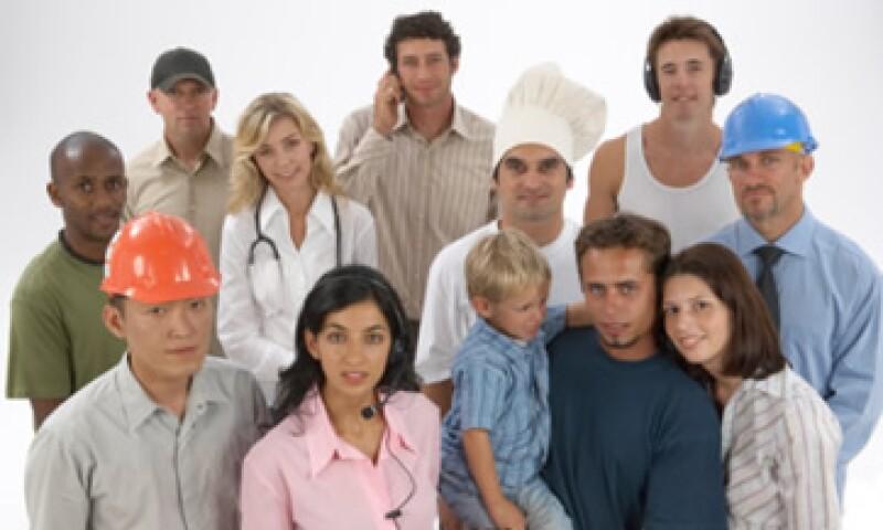 Ingeniero biomédico y vendedores son algunas de las profesiones que están en crecimiento y representan oportunidades laborales. (Foto: Thinkstock)