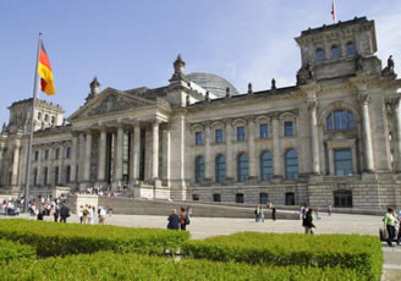 El edificio del parlamento o Reichstag de Berlín solía estar en el palacio real donde la nobleza vivía y cazaba. (Foto: Cortesía SXC)