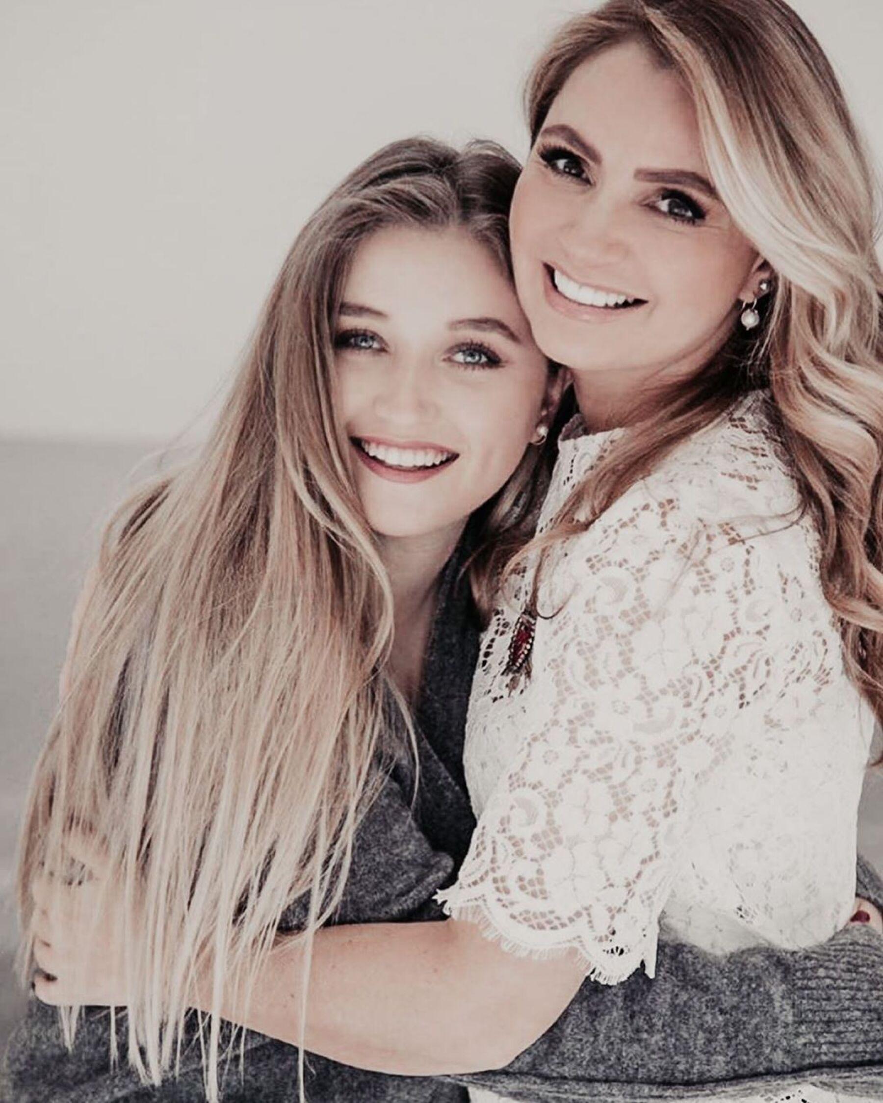 Fernanda Castro y Angélica Rivera