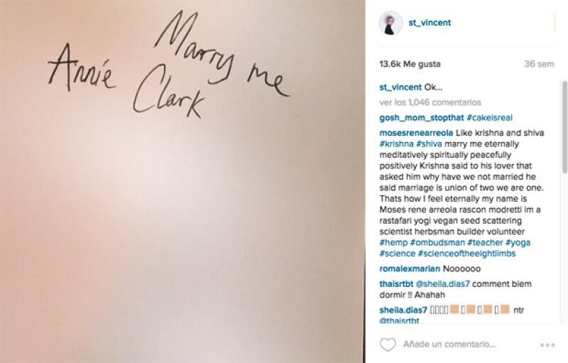 Hace unos meses, Annie publicó esta fotografía, desde entonces comenzaron los rumores de boda.