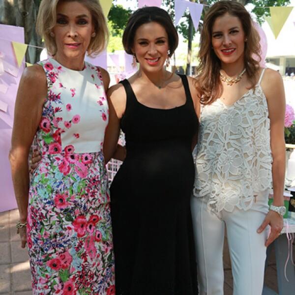 Jacqueline Van Hoorde, Jacky Bracamontes y Alina Bracamontes