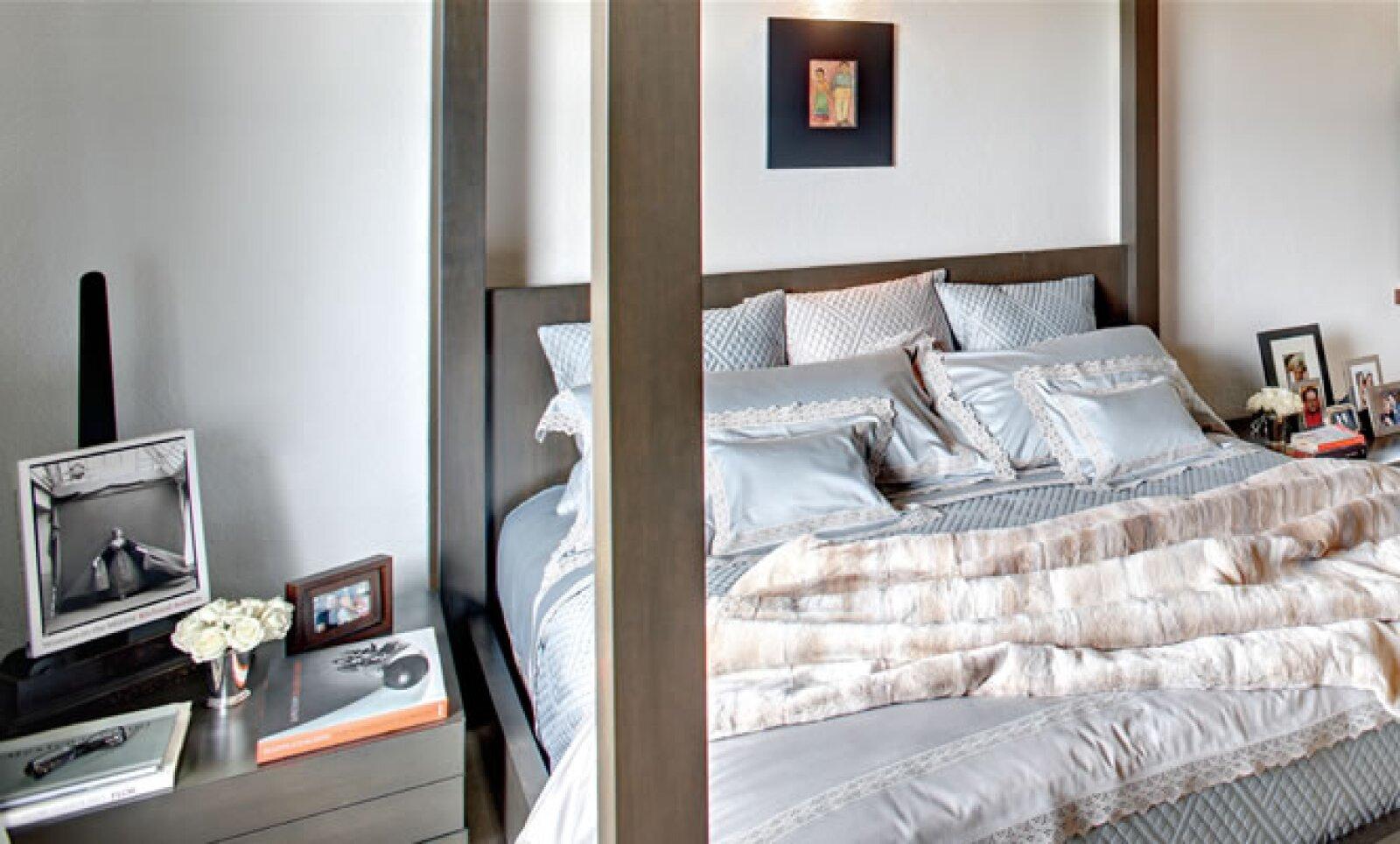 La interiorista, quien trae a México firmas de la talla de Laneventure, prefiere experimentar primero con los textiles y muebles en casa para después llevarlos a su tienda.