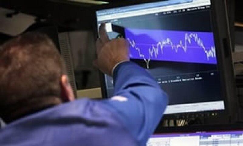 Los pronósticos dictan que las acciones caerán entre 5% y 10% el próximo mes.  (Foto: Archivo)